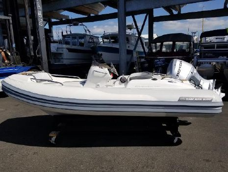 2011 WALKER BAY Generation 390