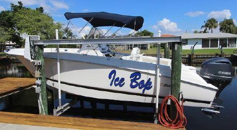 2013 Wellcraft 252 Fisherman Always Lift Kept