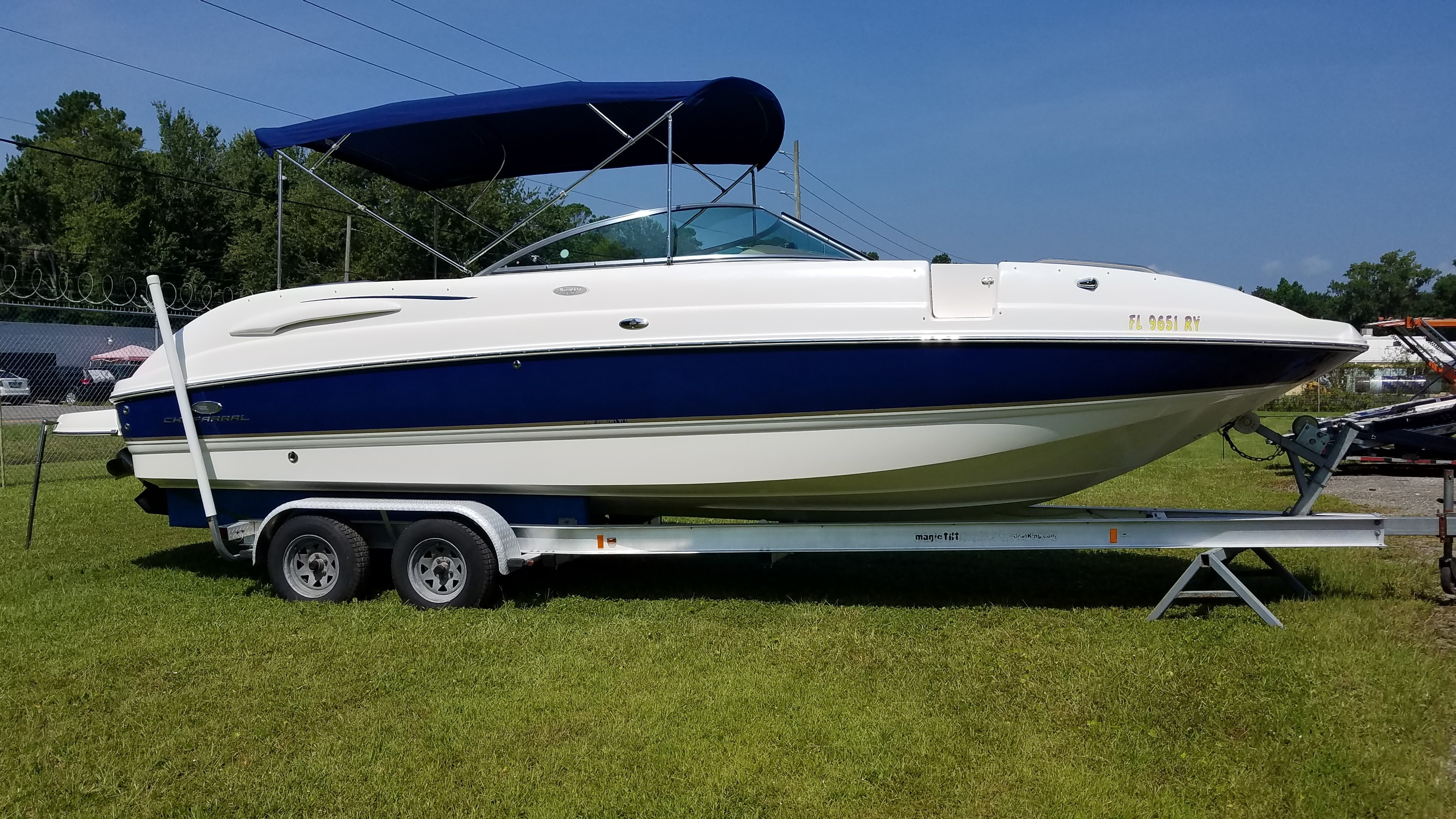 Check out this 2006 Chaparral Sunesta 274 on Boattrader com