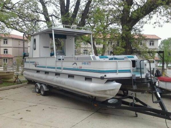 1995 Sun Tracker 30 Party Barge