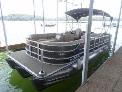 2013 Crest Pontoon Boats Crest II 250SLR