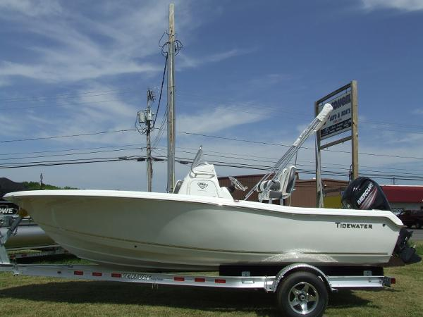 2016 Tidewater Boats 198 CC ADVENTURER