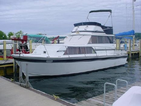 1978 Marinette Marinette Flybridge - 32