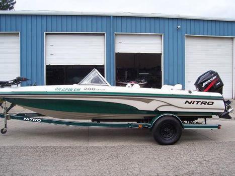 2007 Nitro 288 Sport