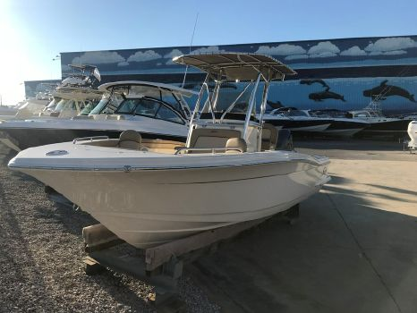 2018 Scout Boat Company 215 XSF