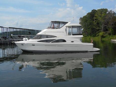2006 Carver 41 Cockpit Motor Yacht
