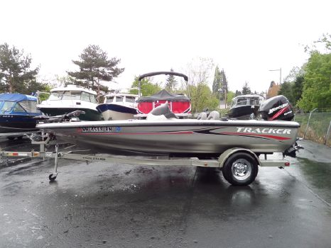 2005 TRACKER BOATS AVALANCH