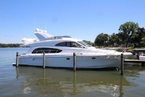 2004 Hatteras 63 Raised Pilothouse MY