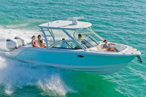 2018 Robalo R317 Dual Console Manufacturer Provided Image