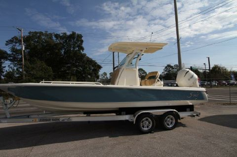 2017 Scout Boat Company 251 XS