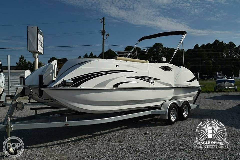 Check out this 2016 CARAVELLE BOATS Razor 237UU on Boattrader com