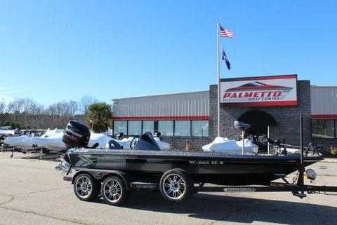 2015 Legend Boats V-20
