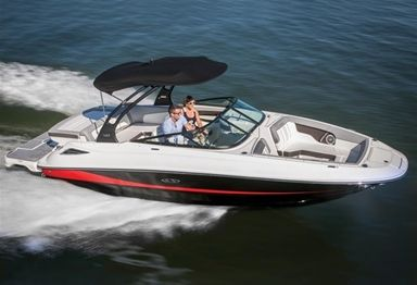 2018 Sea Ray SDX 240 Sundeck