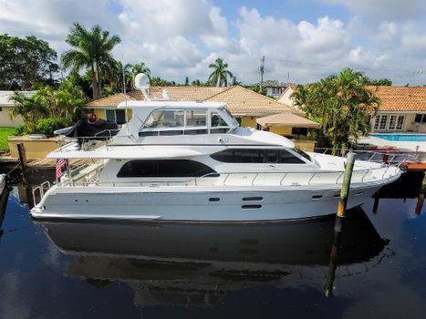 2013 Hampton 620 Modified Skylounge