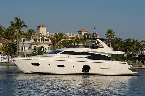 2014 Ferretti Yachts 750 HT