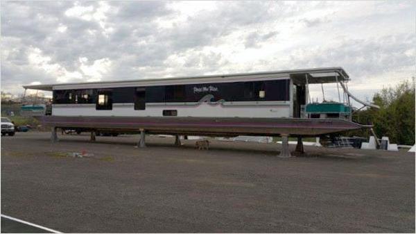 1996 Sunstar Houseboat