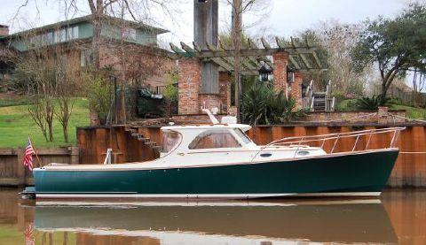 2001 Hinckley 36 Picnic Boat Classic Profile 1
