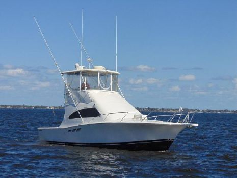 2000 Luhrs 36 Convertilbe Profile