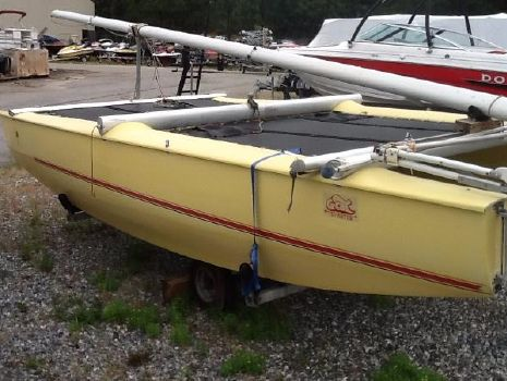1981 G-Cat Sailboat 5 Meter