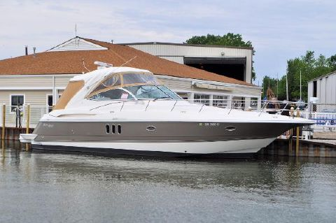 2006 Cruisers 420 Express Port Side