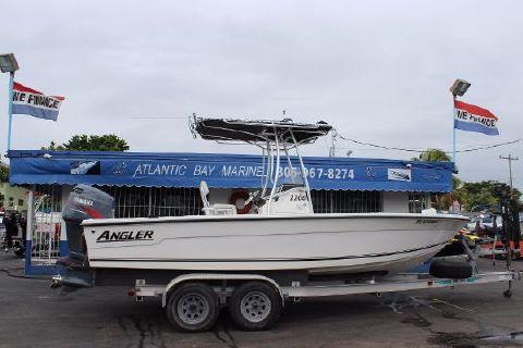 2002 Angler 2200 Grande Bay