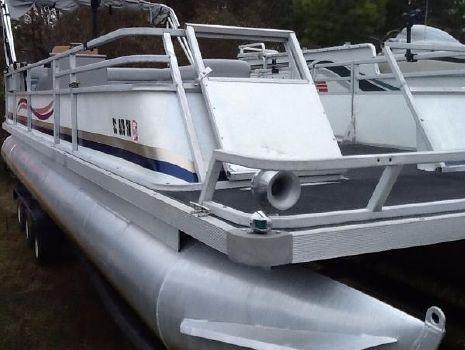 1985 Crest Pontoon Boats Deluxe Model III