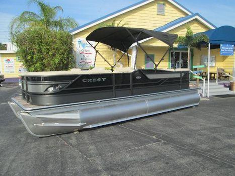 2017 Crest Pontoon Boats Classic 230