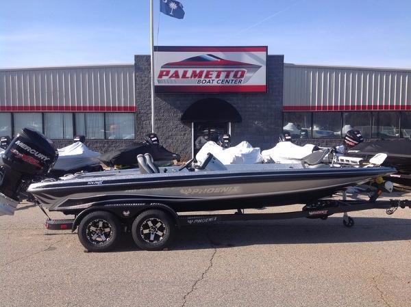 2017 Phoenix Bass Boats 921 PHX