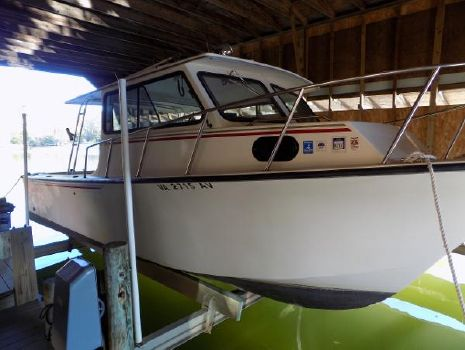 1999 May-craft 2700 Center Console