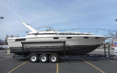 1986 Bayliner Conquest 3250 Sunbridge