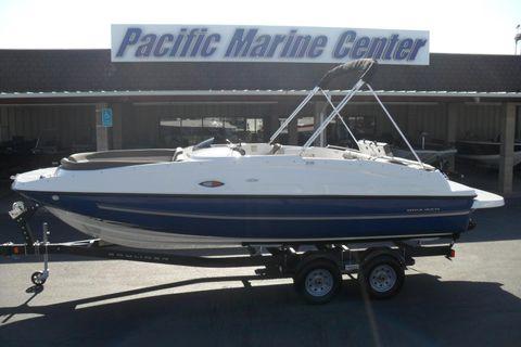 2017 Bayliner 215 Deck Boat-Mercury 200hp