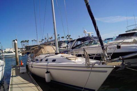 2008 Catalina 42 MkII At the Dock.