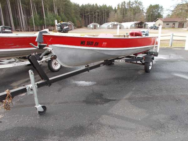 Lund new and used boats for sale in wisconsin for Used fishing boats for sale in wisconsin