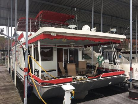 2006 Lakeview Yachts Houseboat Bow