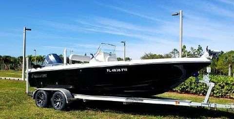 2014 SAILFISH 2100 BB Bay Boat