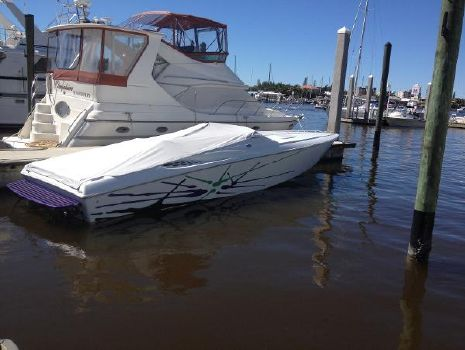 2001 Baja 33 Outlaw Starboard Profile