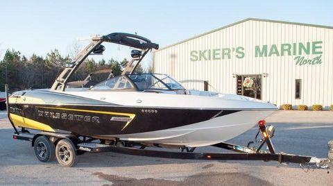 2015 Malibu Boats 23 LSV
