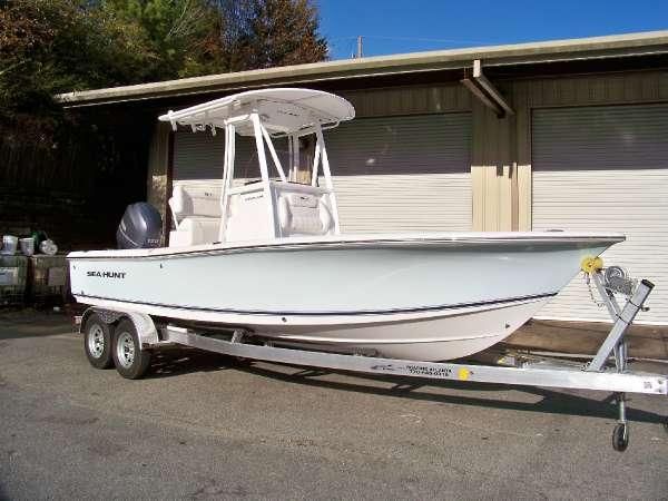 2015 Sea Hunt BX22 BR