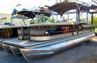 2016 CREST PONTOON BOATS 250 CHATEAU TRIPLE TUBE PONTOON BOAT