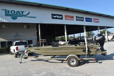 2015 TRACKER 1654 MVX Sportsman, 30HP