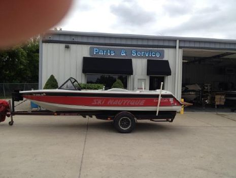 1990 Correct Craft Ski Nautique 196 Closed Bow