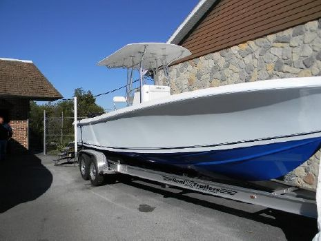2018 Sea Hunt 25 Competition Center Console