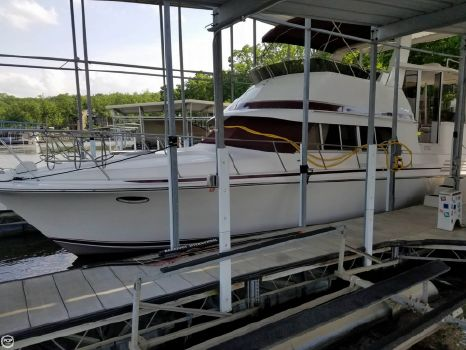 1988 Trojan 12M Motor Yacht 402 1988 Trojan 12M Motor Yacht 402 for sale in Village Of Four Seasons, MO