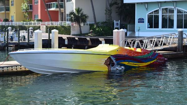 2006 Apache F2 Race boats 42 Chief Warrior