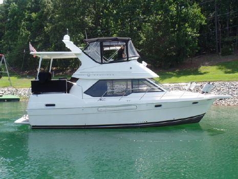 1997 Bayliner 3587 Aft Cabin Motoryacht