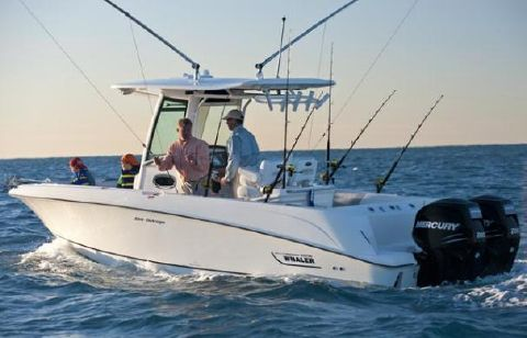 2015 Boston Whaler 250 Outrage Manufacturer Provided Image