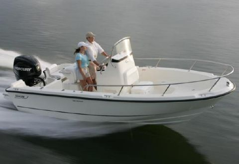 2016 Boston Whaler 190 Outrage Manufacturer Provided Image