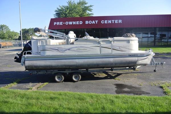 Car Rentals In Muskegon Mi 2006 Manitou 22 Legacy   22 foot 2006 Boat in Muskegon MI   3972610695 ...