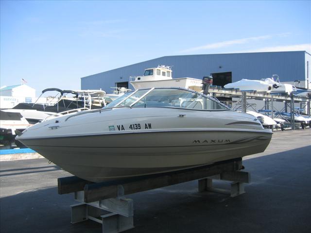 2000 Maxum SC 1900