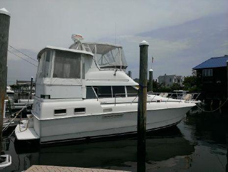 1996 Silverton 34 Motor Yacht Starboard Profile